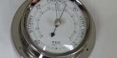 البارومتر جهاز يستخدم لقياس