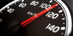 السرعة اللحظية هي سرعة الجسم عند لحظة معينة