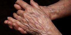 انتفاخ اليد بعد ابرة الوريد