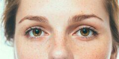 طرق لاخفاء النمش من الوجه بالمكياج